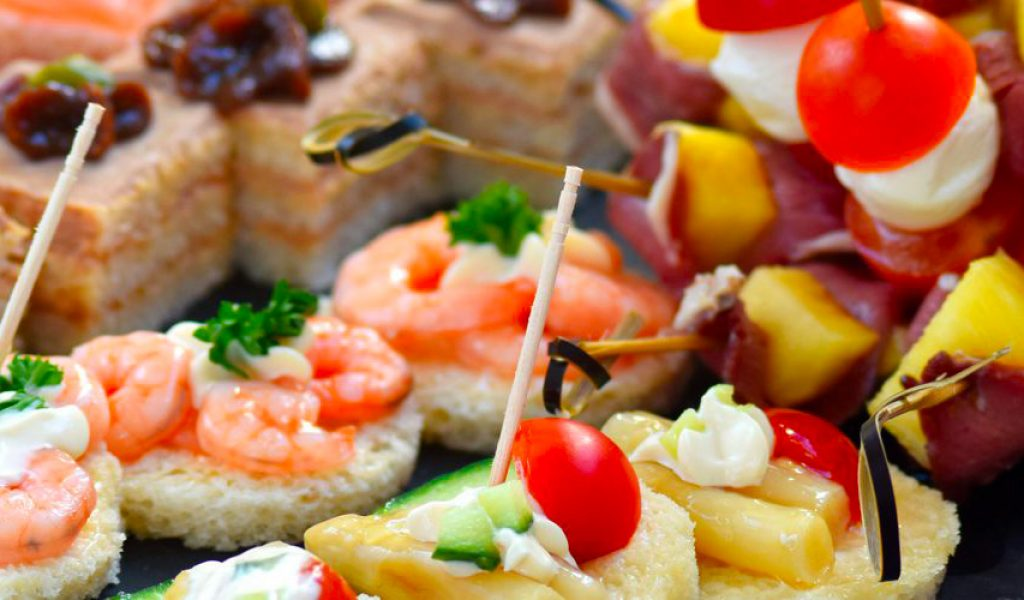 canapes-et-minies-brochettes-1